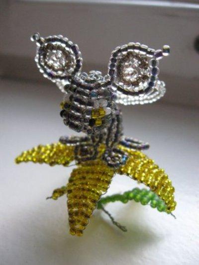 Симуран на цветке
